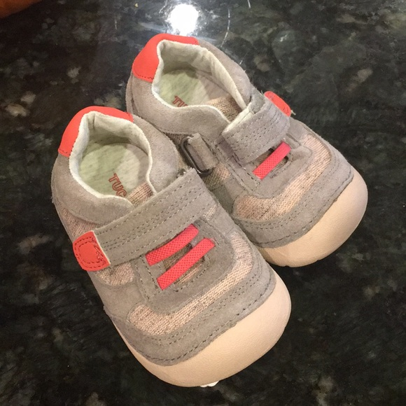 f99a5872060 NWT Toddler walking shoes Tucker   Tate